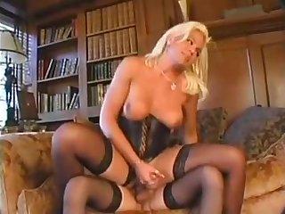 Blonde shebitchs