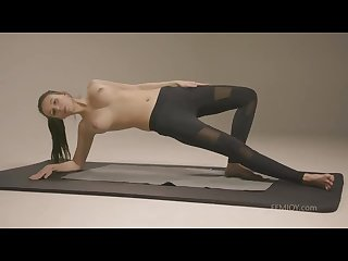 Alisa S crazy hot nude workout Vid