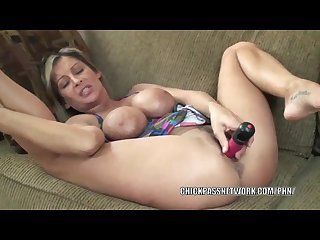 Mature slut leeanna heart lifts her skirt to fuck a dildo
