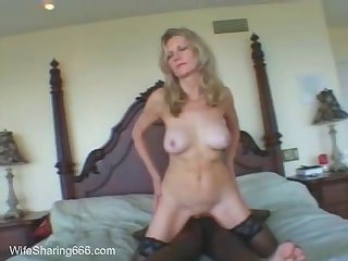 Classy mature hotwife shared with bbc in chicago hotel