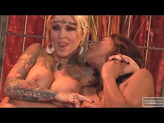 Janine lindemulder and vaniity photoshoot