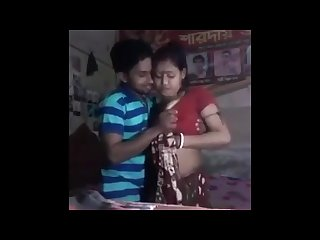 Desi couple boobs pressing hard