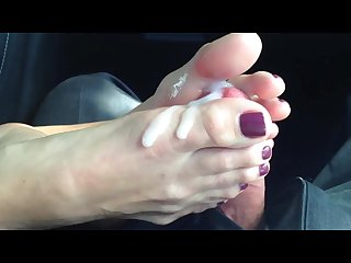 Bbw lynn footjob part ii with cumshot!