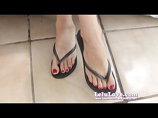 Lelu love red nails flip flop feet