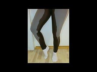 Norwegian desperat pissing in leggings