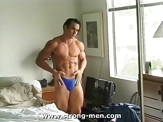 Cute bodybuilder naked