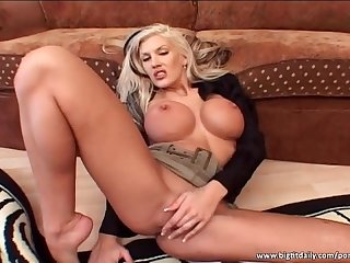Amazing big boobed blonde gives hot blowjob