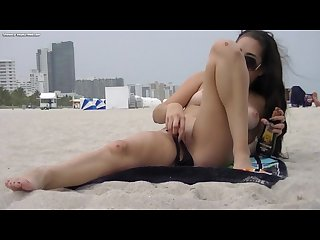 Flashing voyeurs on the beach