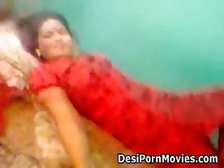 Sexy red saree bhabhi fucking her boyfriend