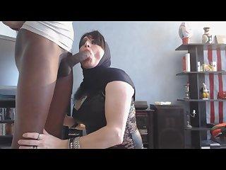 Beurette suce grosse bite black