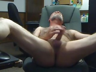 Old hairy daddy shoot his load