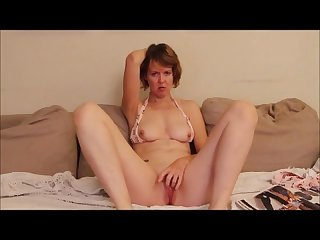 Bikini auntie spreads and cums