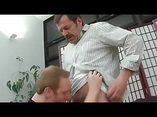 Straight dad gets head after work
