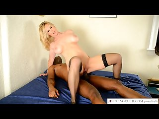 Hot mom tabitha devours bbc like a slutty pro should