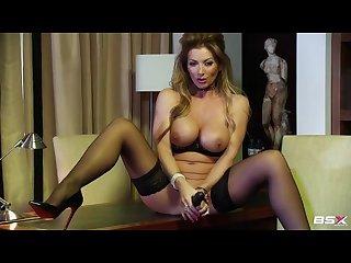 Lynda leigh bsx show with black dildo