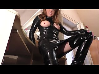 Milf plays in very kinky latex suit
