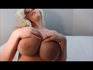 The underboob show