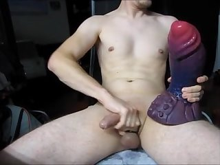 25 yo boy ride xl dildo