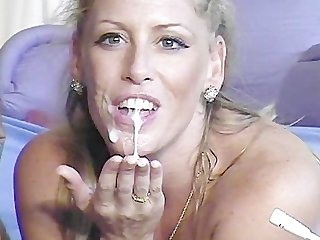 Hot milf loves eating cum
