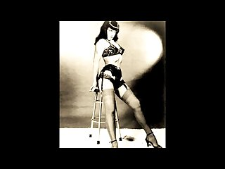 Bettie page cum queen xtraorinair
