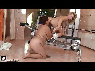 Bbw granny lesbian and young chick in pussy licking session at the gym