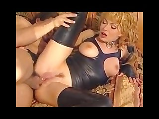Devote milf loves to satisfy