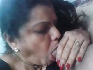 Mature women sucking dick