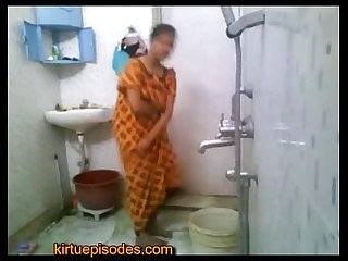 Kirtuepisodes - Indian girl bathing nude