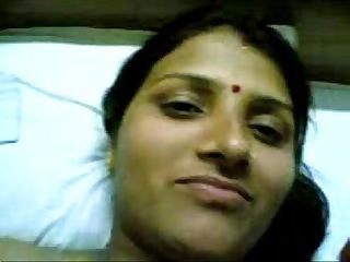 Punjabi sbi clerk aunty indian bank sex exposed mms scandal