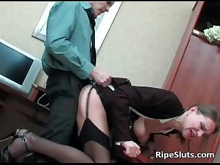 Slutty mature secretary gets hot pussy