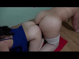 Lesbians with big asses at the same time fuck in two anal and suck a double-sided rubber..