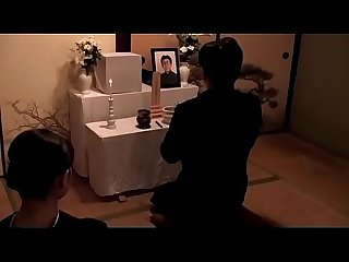 Mujer puta japonesa follada en su funeral de marido completo bit ly 2f8xket