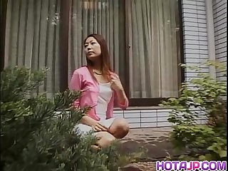 Outdoor pussy play with Yuri