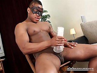 Pauzudo negro se masturbando