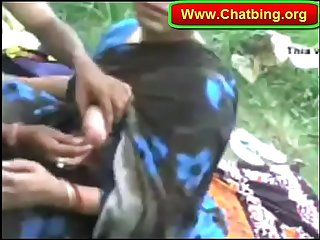 Indian boy pressing boob hs girlfriend in park www chatbing org