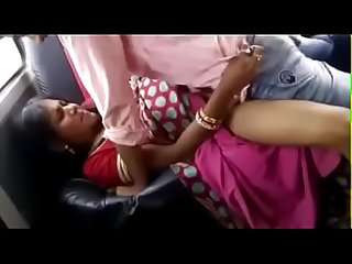 Desi married aunty in saree fucking in car