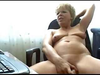 Horny granny toying on webcam
