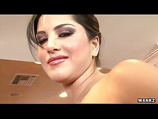 Wankz sunny leone gets naked and masturbates