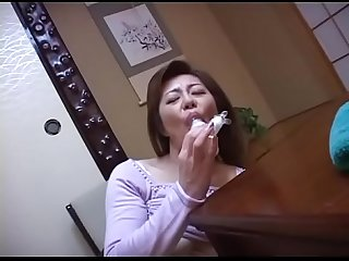 japanese mom masturbating