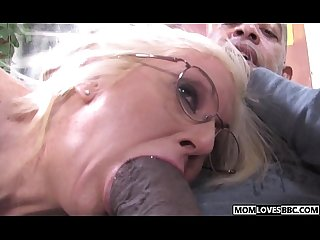 Mom sindi star and tweety valentine take a bbc