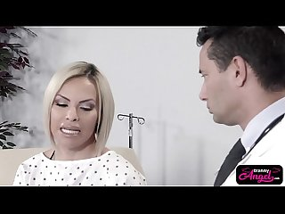 Amazing tranny babe foxxy banged by lucky doctor