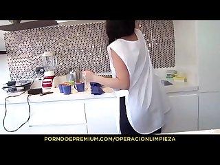Operacion Limpieza la colombiana chica de Limpieza luna ruiz trabaja una polla