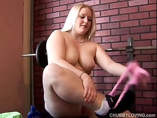 Busty blonde bbw beauty loves playing with her soaking wet pussy