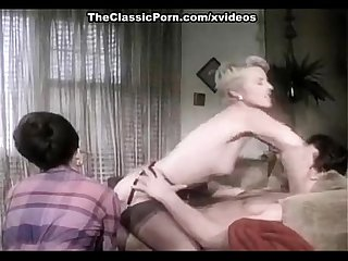 Juliet anderson ron hudd in hot 80 S porn video with double penetration