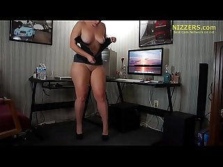 Hot Pawg Latina Bitch- One Two Step TWERK - Nizzers.com