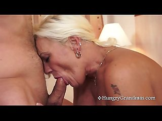 Blonde granny knows how to suck
