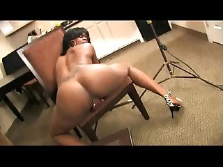 Big ebony brown suga stinks up the living room with her farts