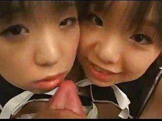 Pequenas sirvientas japonesas