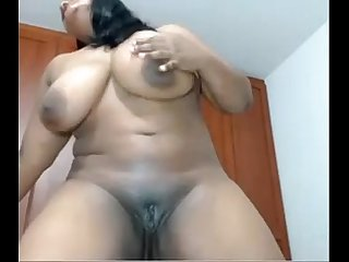 How Ebony BBW fucking herself for webcam