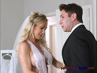 Teen helps stepmom suck big cock of new husband